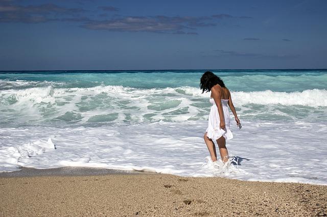 blog woman on beach