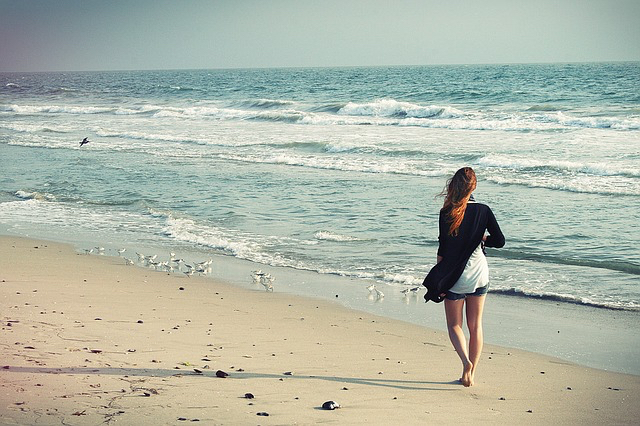 blog-pix-woman-alone-on-beach